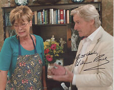 WILLIAM ROACH Signed 10x8 Photo KEN BARLOW In CORONATION STREET COA