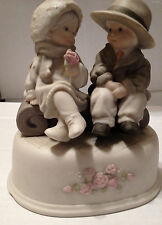 """KIM ANDERSON ENESCO """"YOU CAPTURED MY HEART"""" FIGURINE 175331 -  LAMP POST MISSING"""