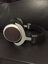 BEYERDYNAMIC T90 TESLA TECHNOLOGY OPEN BACK CIRCUMAURAL 250 OHM HEADPHONES