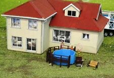 Backyard Swimming Pool & Timber Deck 37 x37 x15mm HO 1/87 Scale Resin & Wood kit