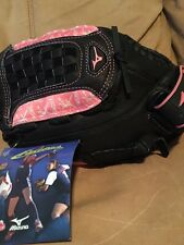 MIZUNO Fast Pitch Ball Glove L/H Throw Black Full Grain Leather Pink Accents NWT