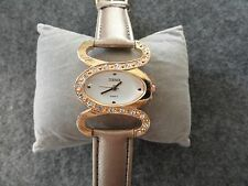 New - Terner Quartz Ladies Watch - Pretty Gold Colored Band