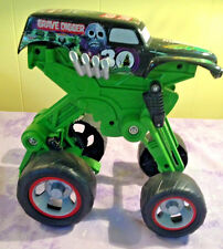 HOT WHEELS GRAVE DIGGER MONSTER JAM 30TH ANNIVERSARY 1/24 SCALE