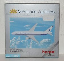 Herpa Wings Vietnam Airlines Boeing 767-300 mit Registration 1:500 502986