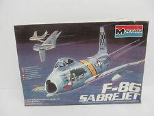 MES-44921 Monogram 5427 1:48 F-86 Sabrejet Bausatz geöffnet,
