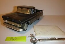 AMT 1961 CHEVY PICKUP ANNUAL VINTAGE 1/25 Model Car Mountain