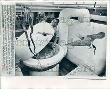 1970 Freeze Dry Processing Unit For Animals Smithsonian 1970s Press Photo