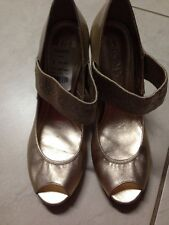 DKNY- New York- Size 8 - Gold- New With A Tag!!!- Color Goes With Everything!!