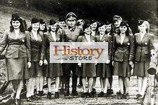 Frauen in Uniform - Weibliches Hilfspersonal  - R01485