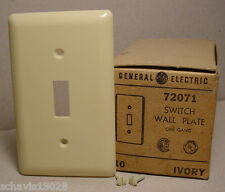Ivory Single Toggle Switch Plate Cover Retro 1960's NOS Lot of 10 Pieces + Screw