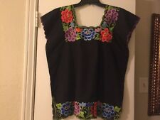 EMBROIDERED HUIPIL Top Mexico NWOT Size M