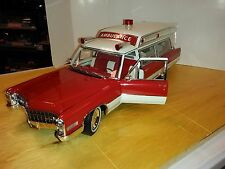 1:18 GreenLight PRECISION MINIATURES 1966 Cadillac Ambulance RED & WHITE *NIB*