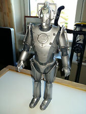 DR WHO 12 INCH CYBERMAN, 2006 EDITION LARGE ARTICULATED ACTION FIGURE, GOOD COND