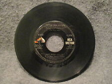 """45 RPM 7"""" Record SSGT Barry Sadler The Ballad Of The Green Berets RCA 47-8739"""