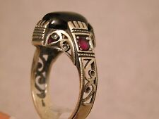 BEAUTIFUL HAND MADE CARVE CUT MEN'S SILVER RING WITH GENUINE ONYX/RUBY, SIZE11