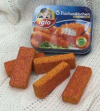 Wooden pretend role play food (Erzi) play kitchen, shop: Fishfingers in a tin