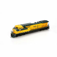 Athearn CHICAGO & NORTHWESTERN Road#8815 AC4400CW Item #77696 HO Scale DCC Ready