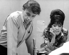 """The Ronettes 10"""" x 8"""" Photograph no 13"""