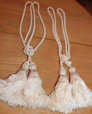 2 paires d anciennes embrases de rideaux avec pompon passementerie
