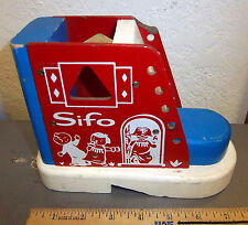 Sifo Shoe shaped wood puzzle, for learning to tie shoes, find shapes, fun item