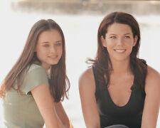 Lauren Graham & Alexis Bledel (3214) 8x10 Photo