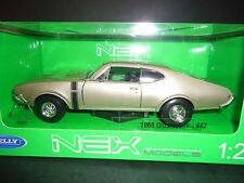 Welly Oldsmobile 442 Silver 1/24