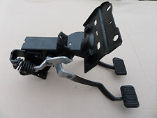 1970 FORD MUSTANG / COUGAR CLUTCH PEDAL ASSEMBLY FOR MANUAL BRAKES