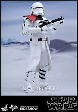 1/6 Star Wars First Order Snowtrooper Officer MMS Hot Toys 902552