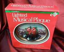 VINTAGE 1982 CAROLITES MERRY CHRISTMAS MUSICAL & LIGHT LIGHTED MUSICAL PLAQUE