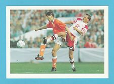 FOOTBALL - BARRATT POSTCARD - WORLD  BEATERS  -  MARCO  VAN  BASTEN  OF  HOLLAND