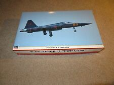 Hasegawa F-5E Tiger II 2 Top Gun Jet Fighter Model Kit 1:32 Complete Unbuilt