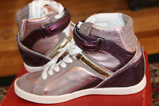 GUESS WOMEN'S PERINA MEDIUM PINK LEATHER WEDGE SNEAKERS SIZE 9
