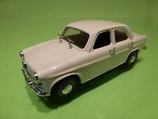 RIO ALFA ROMEO GIULIETTA - WHITE 1:43 - VERY GOOD CONDITION