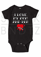 I LOVE MY MOM AND HER TATTOOS INKED BABY T-SHIRT FUNNY CUTE SHOWER GIFT ONESIE