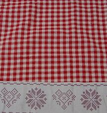 Gisela Graham Christmas Gingham Table Runner with Snowflake Design