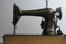 Singer Antique Sewing Machine G4008561 Model 66 w/ Red Eye Designs