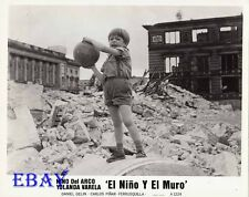 Nina Del Arco play w/ball VINTAGE Photo El Nino Y El Muro