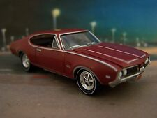 1969 69 OLDS OLDSMOBILE CUTLASS 442 COLLECTIBLE 1/64 SCALE MODEL - DIORAMA