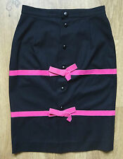 Stunning womens pencil skirt from BALENCIAGA. Size UK 10/42/W28. Black Very good