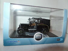 Oxford AT001 Austin 1/43 O Scale London Low Loader Taxi  Black FAULT