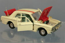 DINKY TOYS MODEL No.205 FORD LOTUS  CORTINA  RALLYE CAR