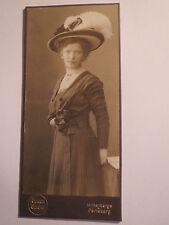 Wittenberge u. Perleberg - stehendes Mädchen - junge Frau im Kleid mit Hut / KAB