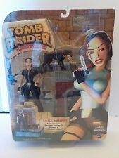 Tomb Raider Lara Craft Encounters the Ferocious Doberman Action Figure 2000 NEW