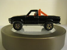 Tomica No 61 Toyota HiLux 4WD, 1:62 Die cast Pickup truck Made in Japan