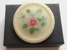 VINTAGE 80'S PORCELAIN / CERAMIC CREAM & PINK FLORAL FLOWER BROOCH SIGNED AVON