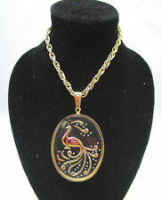 VINTAGE GOLD TONE NECKLACE W/ ETCHED IRIDESCENT PEACOCK IN GLASS PENDANT ***