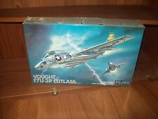 FUJIMI VOUGHT F7U-3P CUTLASS JET PLANE MODEL KIT