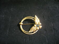 Vintage Goldtone Metal Emerald Green Crystal Flower Round Ring Brooch Pin