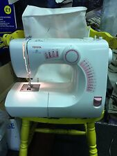 Toyota Electric Sewing Machine Model SE13 2000 with Soft Case