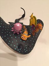 Rare Hallmark Finding Nemo Learning With Mr Ray 2009 Disney Pixar Ornament MIB
